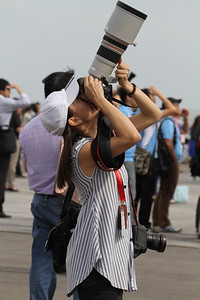 Lady photographer lagi tua ki